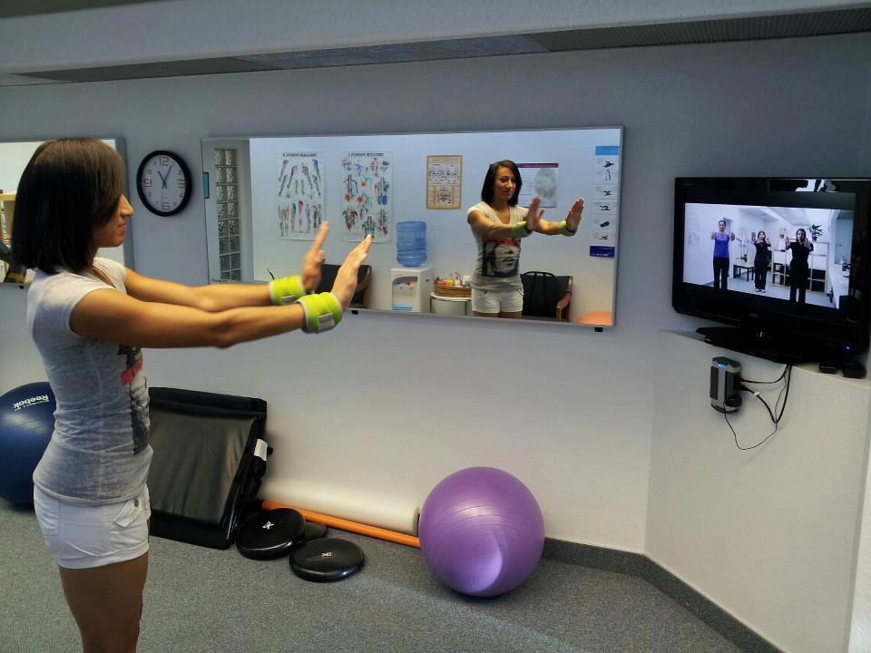 Female athlete demonstrating chiroactivetherapy exercises